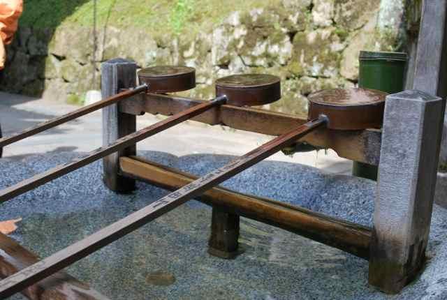 Kiyomizu-dera water offerings